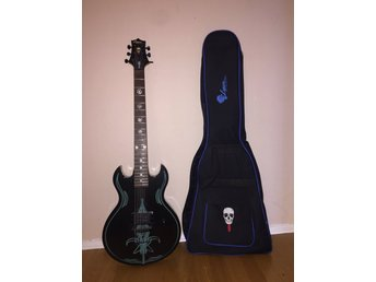 Scott Ian Limited Edition Elgitarr av Lyon (Washburn) med fodral