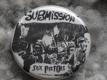 SEX PISTOLS (3,5 cm) Submission - Badge/ Pin/ Knapp - 1977, Punk, Seditionaries,