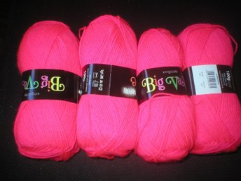 400gr Big value neon dk King cole Bubblegum