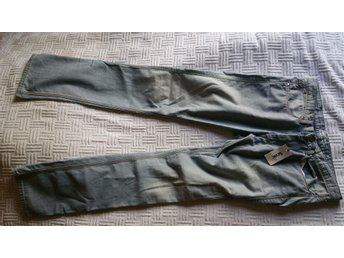 Acne Jeans NYA 32/34 slimmad modell