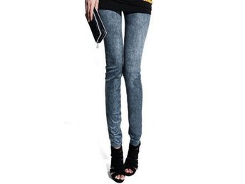 Stretchiga leggings. Jeansprint.  Stl. S-M. NYA