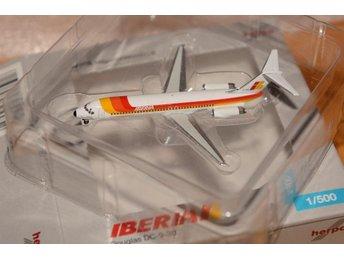 DC 9-30 Iberia 1:500 metall modell från Herpa - Knivsta - DC 9-30 Iberia 1:500 metall modell från Herpa - Knivsta