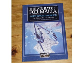 bra bok om flyg * THE AIR BATTLE FOR MALTA  * SPITFIRE PILOT * JULKLAPP JUL *