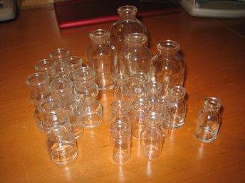 27 miniatyrflaskor av lite olika modell. 7, 6, 5 och 3,5 cm höga. - örebro - 27 miniatyrflaskor av lite olika modell. 7, 6, 5 och 3,5 cm höga. - örebro