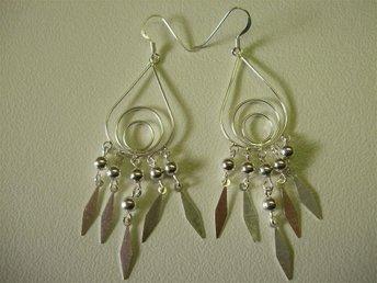 NYA och snygga silver örhängen. 925 - Asarum - NYA och snygga silver örhängen. 925 - Asarum