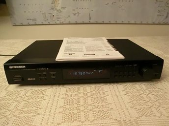 Pioneer F-204RDS FM/AM Digital Synthesizer Tuner / Digital-Syntestuner 1995