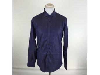 Shirt By Shirt Medium 39/40 Mörkblå bra skick - Sthlm - Shirt By Shirt Medium 39/40 Mörkblå bra skick - Sthlm