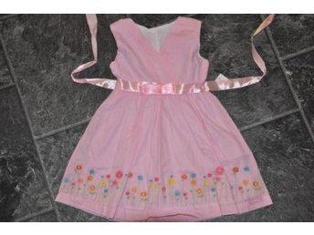 Rosa fin klänning Köp   Försäljning annonser 6ae8fd07e8d6d