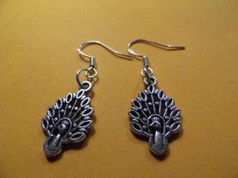Påfågel örhängen / peacock earrings