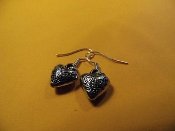 Hjärta örhängen / Heart earrings