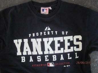 Topp/tshirt navy baseball Yankees tröja  från Majestetic Athletic S