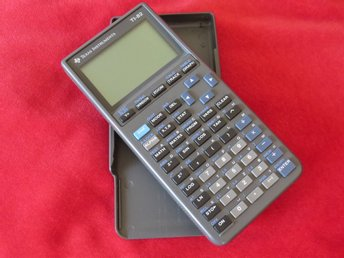 Grafräknare Texas Instruments TI-82.