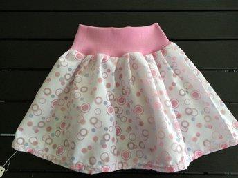 Fin kjol i bomull prinsessa 86 - 92 cl - Nässjö - Fin kjol i bomull prinsessa 86 - 92 cl - Nässjö