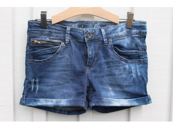 OUTFITTERS NATION Skinny fit pants jeans shorts stl 170 Helt nya!