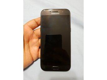 Samsung galaxy A5 2017 modell olåst i bra skick frifrakt