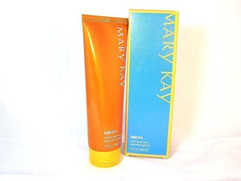 MARY KAY. SunCare Subtle Tanning Lotion, 118ml