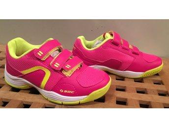 1 par Rosa Neongula SOC Fitness joggingskor   Träningsskor stl. 31 NYA 2fffb0b4ac395