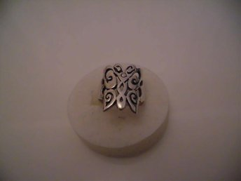 design silver ring signerad BL