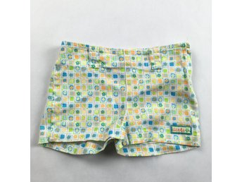 CHECK THIS European Kids vita Blommiga Shorts strl 122.