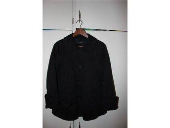 LINDEX svart kappa retrostil storlek 42 - Mölndal - LINDEX svart kappa retrostil storlek 42 - Mölndal
