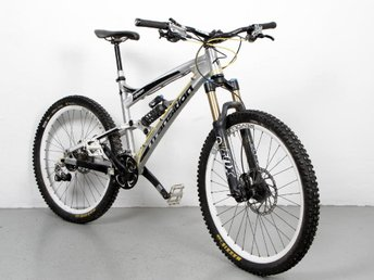 Transition Covert - Downhillcykel - Fox Dämpare fram & bak