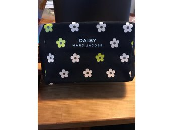 Marc Jacobs fragrances, Daisy make-up bag, toiletry bag