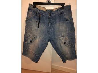 G star raw jeans shorts storlek 36
