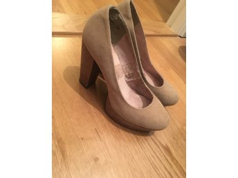 Beige pumps 37