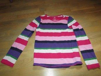 Långärmad tröja i storlek 122-128 med fläck - Västerås - Långärmad tröja i storlek 122-128 med fläck - Västerås
