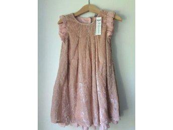 Fynda NY ljuvlig rosa klänning från Lindex. Stl 98/104. Fin till fest! - Malmö - Fynda NY ljuvlig rosa klänning från Lindex. Stl 98/104. Fin till fest! - Malmö