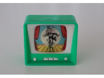 *  grön mini TV i plast  *