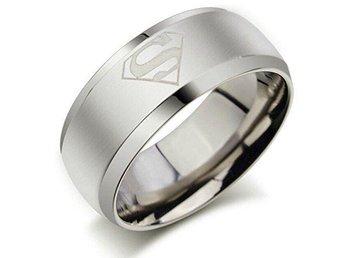 Superman ring i rostfritt stål strl 9 - Norrfjärden - Superman ring i rostfritt stål strl 9 - Norrfjärden