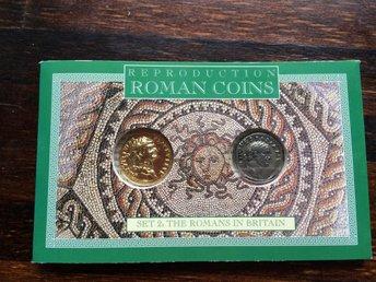 reproduktion av romerska mynt, 2 st mynt i kassett 69-96 AD - Bro - reproduktion av romerska mynt, 2 st mynt i kassett 69-96 AD - Bro
