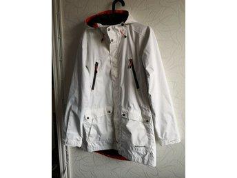 9b6bcce56d25 Everest Kläder ᐈ Köp Kläder online på Tradera • 423 annonser