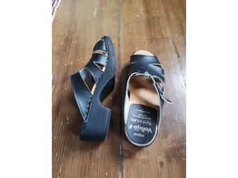 Svarta träskor stl 39 sandaler vollsjö Retro bohem boho bohemisk hippie