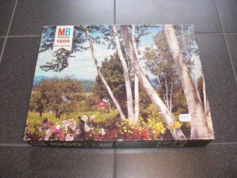 1000 bitars pussel - Bigben Puzzle - Björkskog med blommor - Västervik - 1000 bitars pussel - Bigben Puzzle - Björkskog med blommor - Västervik