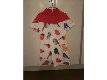 Rosa klänning fåglar polo scuba - Stockholm - Rosa klänning fåglar polo scuba - Stockholm