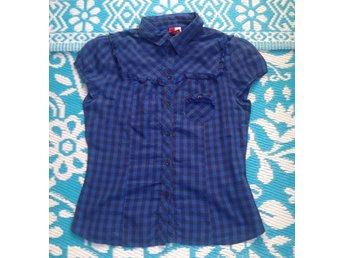 Rebecka minkoff blus med volang ärm (337643911) ᐈ Köp på Tradera c155d4996c89d
