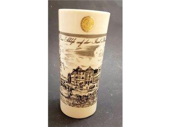 Vintage vas i porslin Etikettsmärkt Plankenfels porzellan Made in Germany - Sundsvall - Vintage vas i porslin Etikettsmärkt Plankenfels porzellan Made in Germany - Sundsvall
