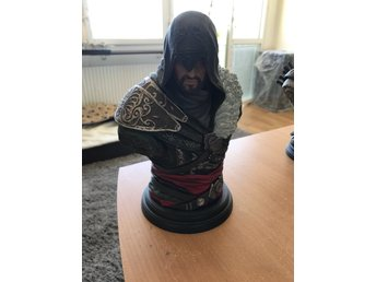 Assassins creed ezio byst