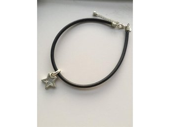 svart tajt halsband