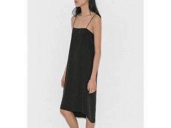 5ce670795b88 Toteme Kläder ᐈ Köp Kläder online på Tradera • 52 annonser