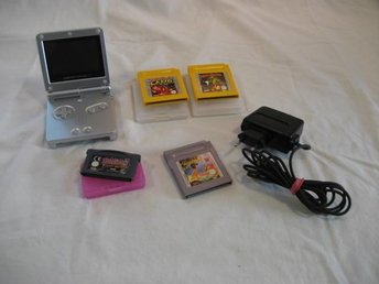 GAME BOY ADVANCE SP-SILVER + SPEL