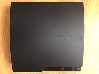- Playstation 3 Slim 320GB + spel -