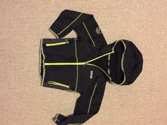 Funktions sweatshirts svart 8848 stl 120, fint skick - Borås - Funktions sweatshirts svart 8848 stl 120, fint skick - Borås
