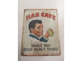 "Retro metallskylt "" Man Cave"". - Borgholm - Retro metallskylt "" Man Cave"". - Borgholm"