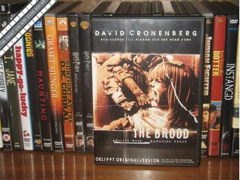 THE BROOD - Oliver Reed - David Cronenberg *UTGÅNGEN DVD* - Svensk text - åmål - THE BROOD - Oliver Reed - David Cronenberg *UTGÅNGEN DVD* - Svensk text - åmål