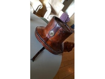 1800-tals läder top hattlåda / hattask gjord av Hilhouse & Company Hatters? - St Skedvi - 1800-tals läder top hattlåda / hattask gjord av Hilhouse & Company Hatters? - St Skedvi