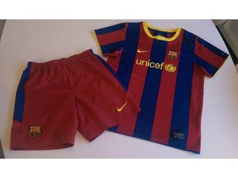 Toppenfint Nytt Barcelona Set med T-shirt & Shorts, Stl.122-128.