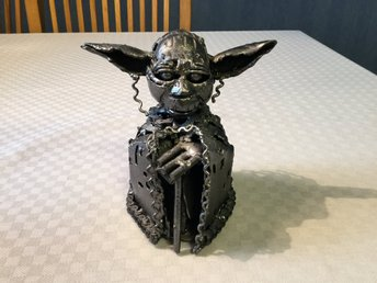 Yoda skulptur i metall Star wars